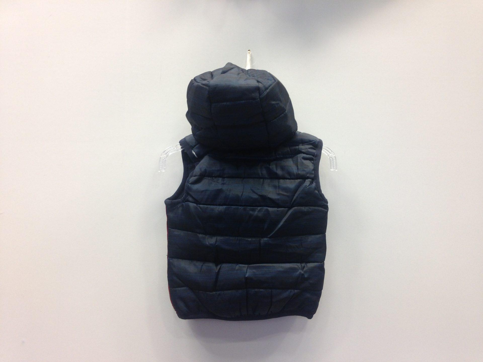 Αμάνικο μπουφάν με κουκούλα «NEW YORK»  eaec19e441d